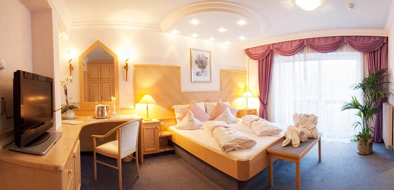 wohnen im ruipacherhof hotel dorf tirol. Black Bedroom Furniture Sets. Home Design Ideas