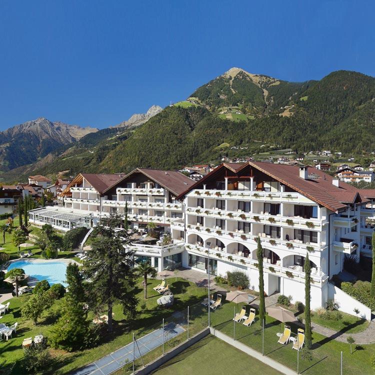 Hotel n he meran 4 ruipacherhof in dorf tirol for Design hotel dorf tirol